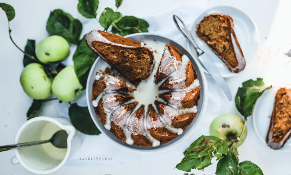 Der Apfelgugelhupf ist nicht nur im Herbst ein leckeres Gericht.