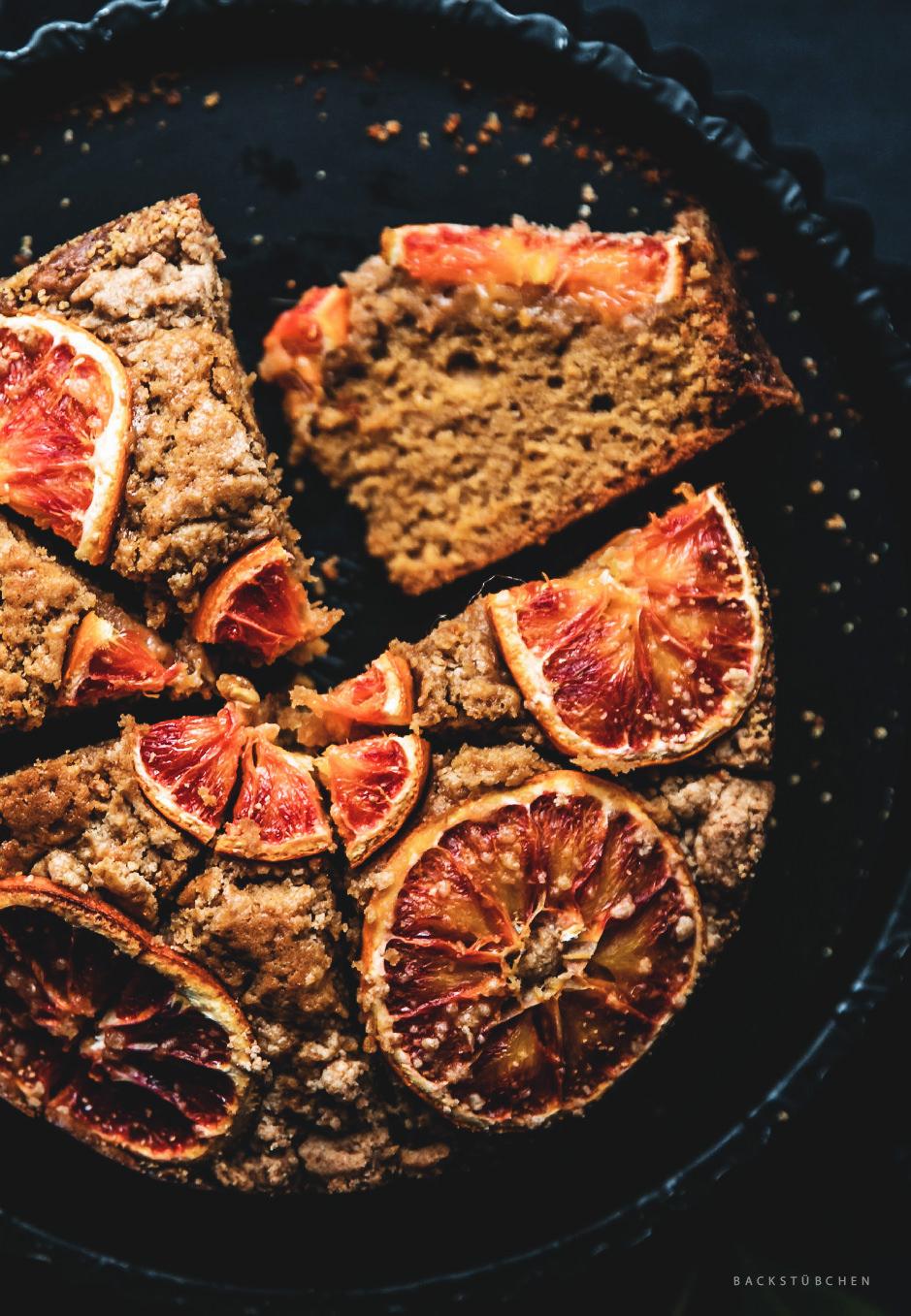 Saftig und fruchtig: So ist der Blutorange-Streusel-Kuchen