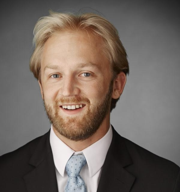 Paul Monsen Marquette Alum 2012 is a Co-Founder at Digital Asset Advisors, a consulting firm that facilitates the integration of emerging technologies and blockchain with traditional asset classes and structured finance. Since 2014 he has facilitated over $1 billion across commercial real estate and private equity transactions, including some of the first crowdfunded CRE placements. He is a frequent speaker on blockchain, cryptocurrencies, and security token offerings. He also acts as a committee member for the Silicon Valley Blockchain Society - Los Angeles.  A native of Stoughton Wisconsin he grew up on his families small dairy farm before attending MU where he was a 4 year member of the Marquette University Men's Soccer Team.