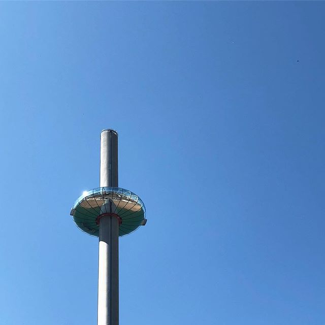 UFO & Brighton beach . . . #ufo #brighton #sussex #bluesky #sky #tower #britishairwaysi360 #brightonbeach #england #unitedkingdom #uk