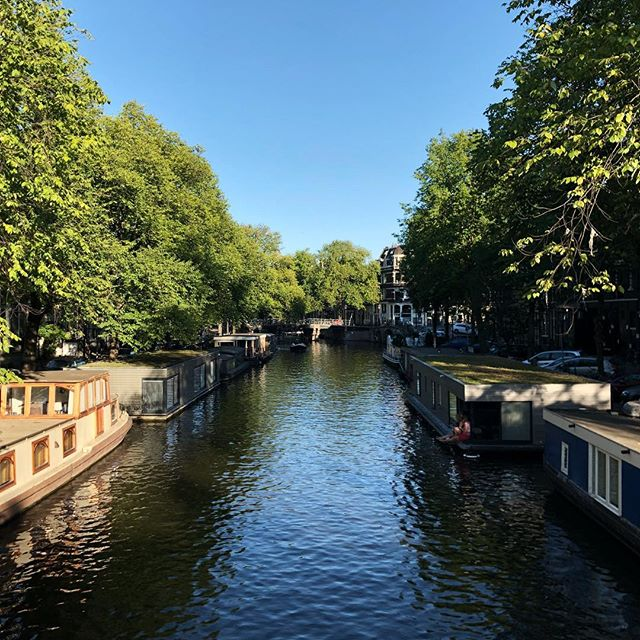 Like a tourist. . . . #amsterdam #bluesky #summer #lekkerweer #canal #gracht #water #jordaan #trees #city #netherlands #nederland