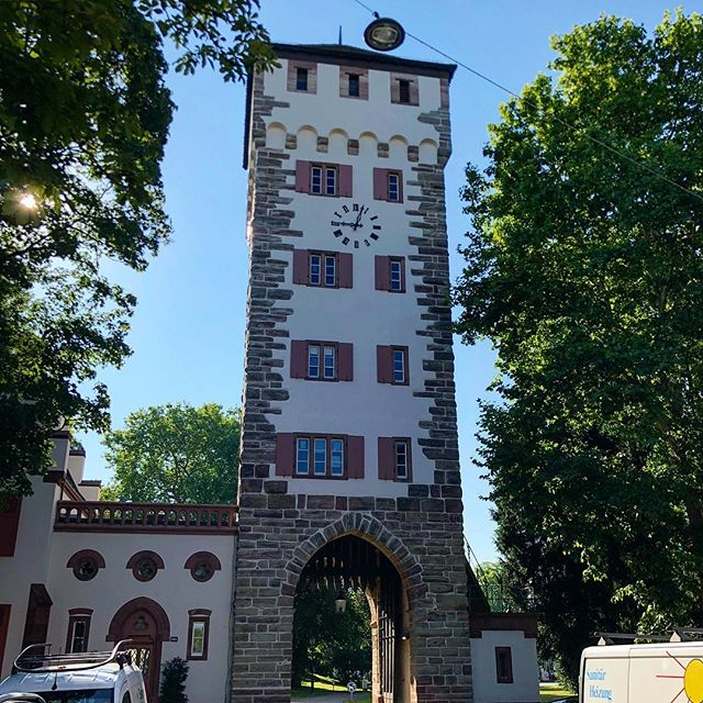 St. Alban Tor during a quick stop in Basel. I definitely need to visit more this beautiful city! . . . #basel #switzerland #bale #suisse #stalbantor #tor #gate #medieval #architecture #sunny #bluesky