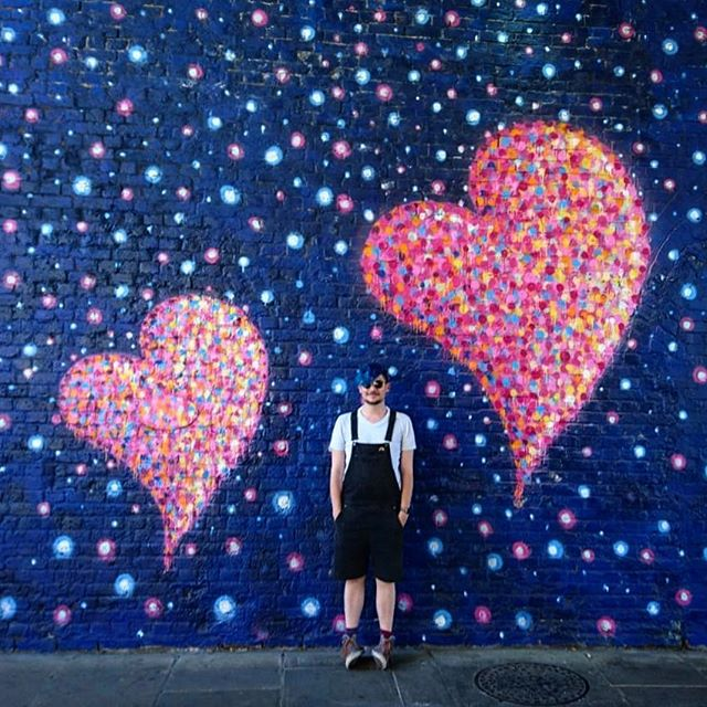 I'm not often posting pictures including myself but this wall was so lovely and colorful… . . . #london #boroughmarket #wall #bricks #streetart #heart #blue #stars #love #portait #colours #colors #colorful #colourful