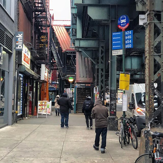 Brooklyn randomness. . . . #bklyn #brooklyn #nyc #ny #newyorkcity #newyork #williamsburg #marcyavenue #urban #urbanview #subway #aerialsubway #bus #busstop #street #streetlife #ordinaryday #stairs #metro #overground #sidewalks