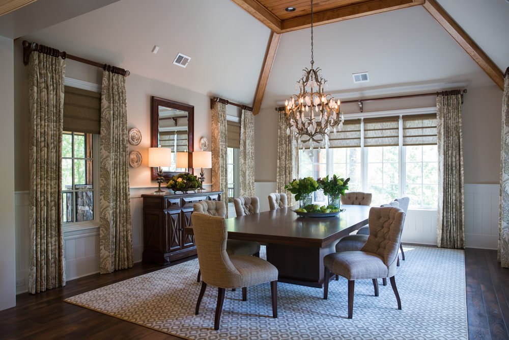 interior-design-traditional-classic-dining-room.jpg