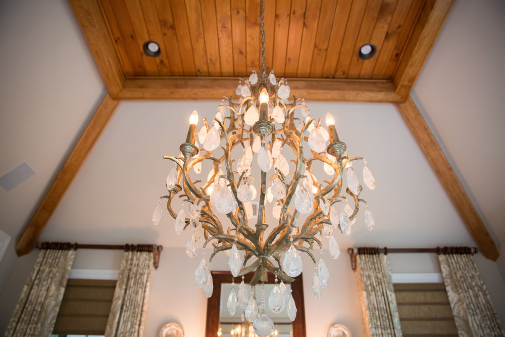 interior-design-traditional-rustic-chandelier.jpg