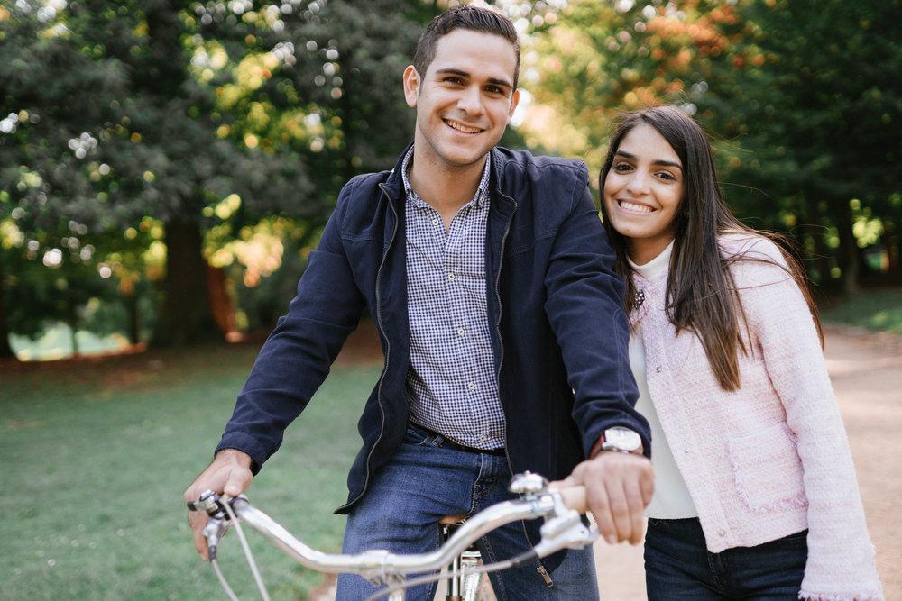Session photo couple homme femme vélo photographe et vidéaste à Bruxelles
