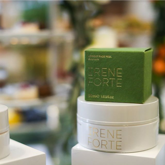 Some beautiful shots from our @ireneforteskincare 'Sleep-Easy' event at @browns_hotel . @ireneforte talked through her beautiful range over afternoon tea with @ireneforteskincare facials and manicures 🌱  Thank you to everyone who attended the event and brand partners for their personalised gifts.  @alexisforeman @anisasojka @caggiesworld @chrissabella27 @clairemenary @thecrystaloffashion @thetripletsss @feliciaevalina @juliet @lolitamas @niomismart @madeleine_shaw_ @thebritishmoroccan @vicceridono  Brand partners: @sianestherlondon @slipsilkpillowcase @gp_nutrition  Event space: @browns_hotel  Photographer: @eva.espresso