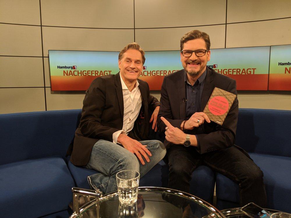 """TV Interview zum neuen Buch auf """"Hamburg 1""""! - Tolles Gespräch mit Jörg Rositzke über Krisen und wie wir damit umgehen können!"""
