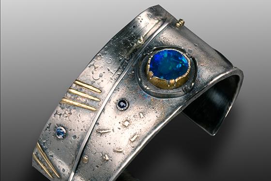 ID365561-Earth-wind-and-fire-bracelet-Wendy-R-Thurlow.jpg