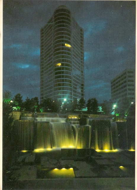 Portland Plaza and Lawrence Halprin's Keller Fountain put on a show via a postcard.