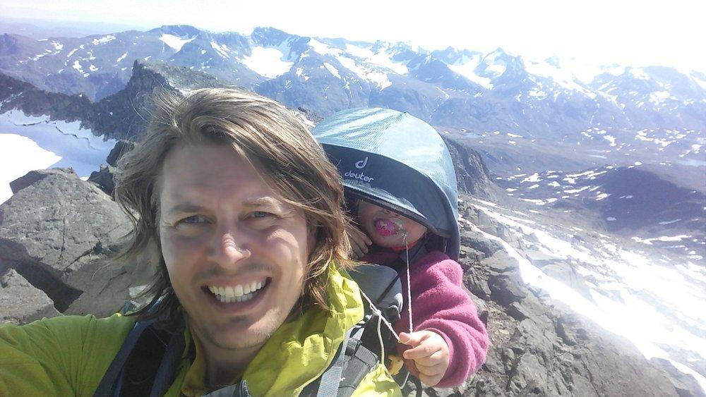 På toppen av Surtningssue i Jotunheimen 2017