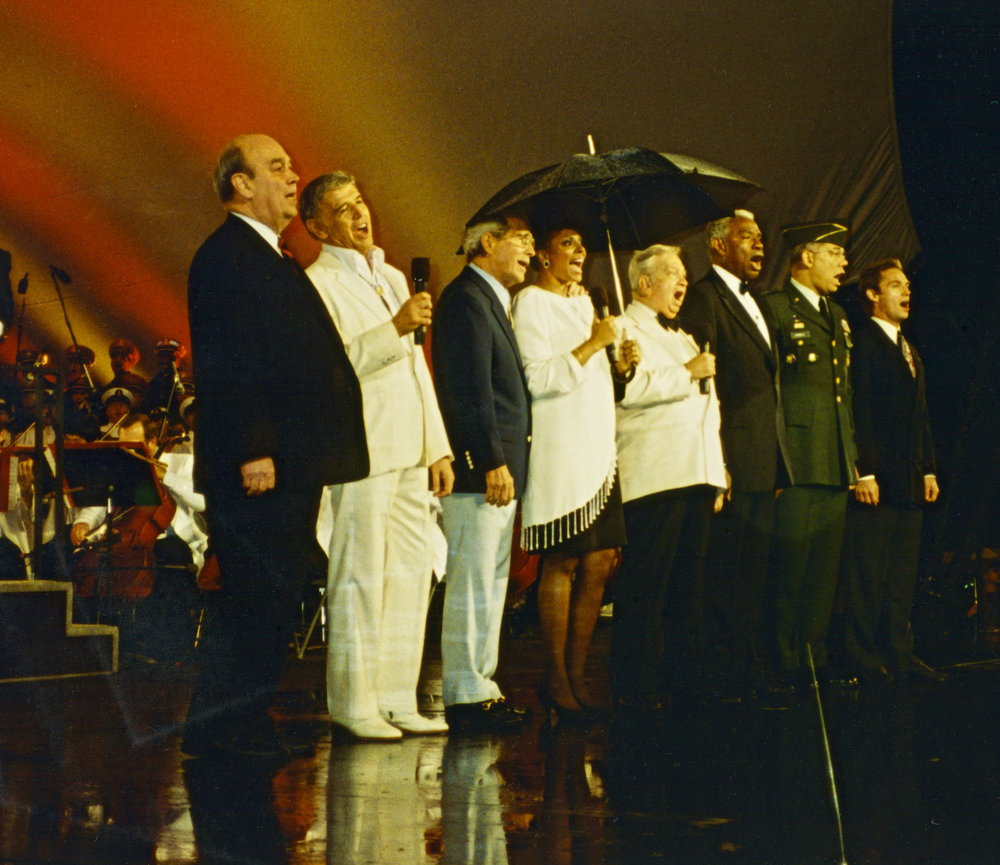 1992 Memorial Day Concert in Washington, DC with stars: Charles Kuralt, Roger Williams, Perry Como, Leslie Uggams, Mel Torme, Ossie Davis, Gen. Colin Powell, and Richard Thomas.