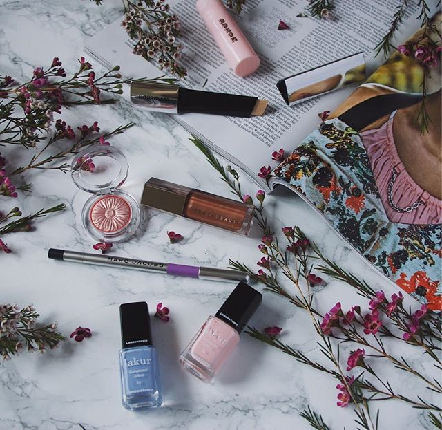 Sharing @iamnikkihirst spring beauty favorites #ontheblog  Talking about my new favorite nail polish brand @londontownusa 💕  #ourstyleadventure #londontownusa