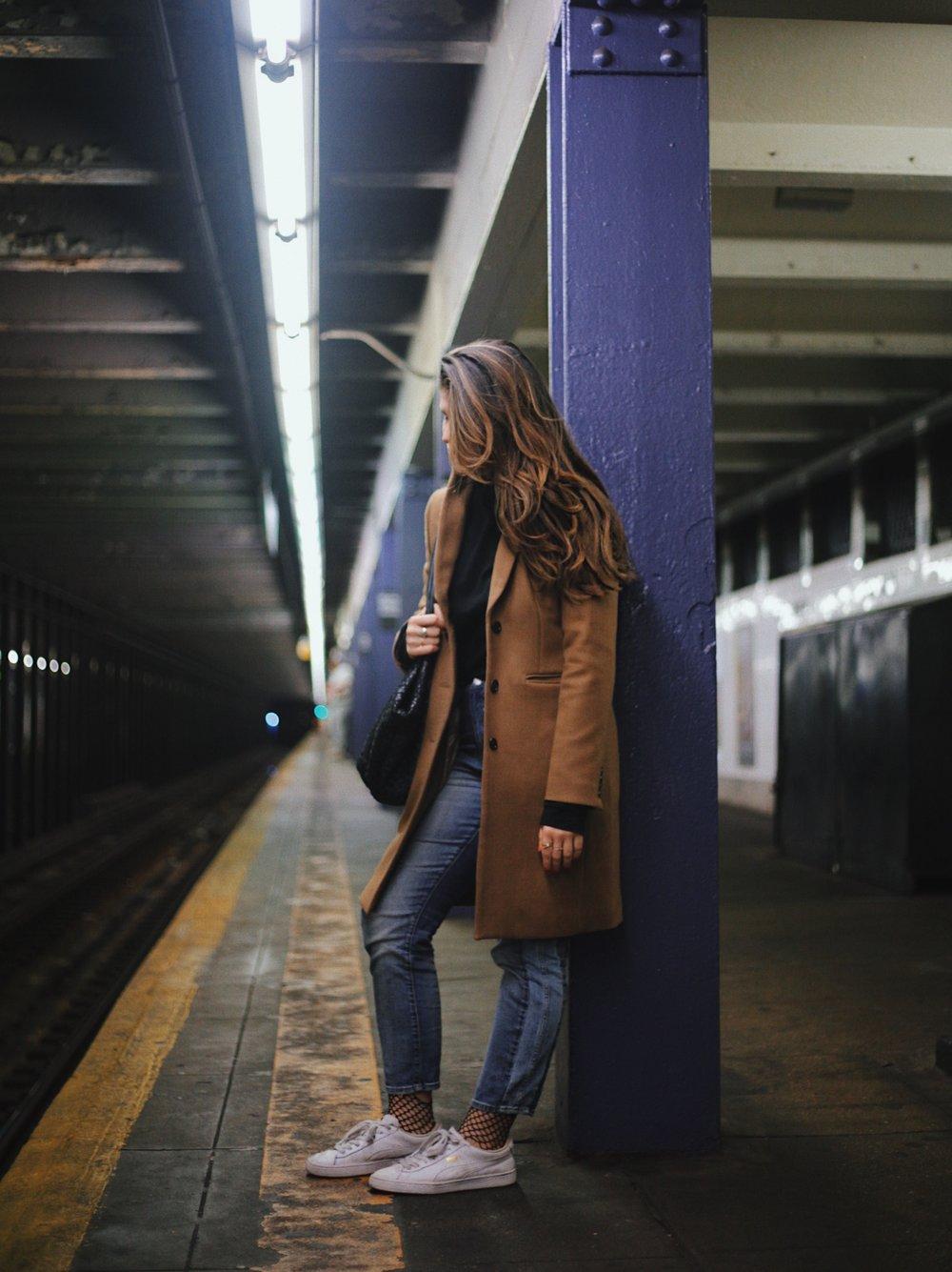 Nikki Hirst g train style