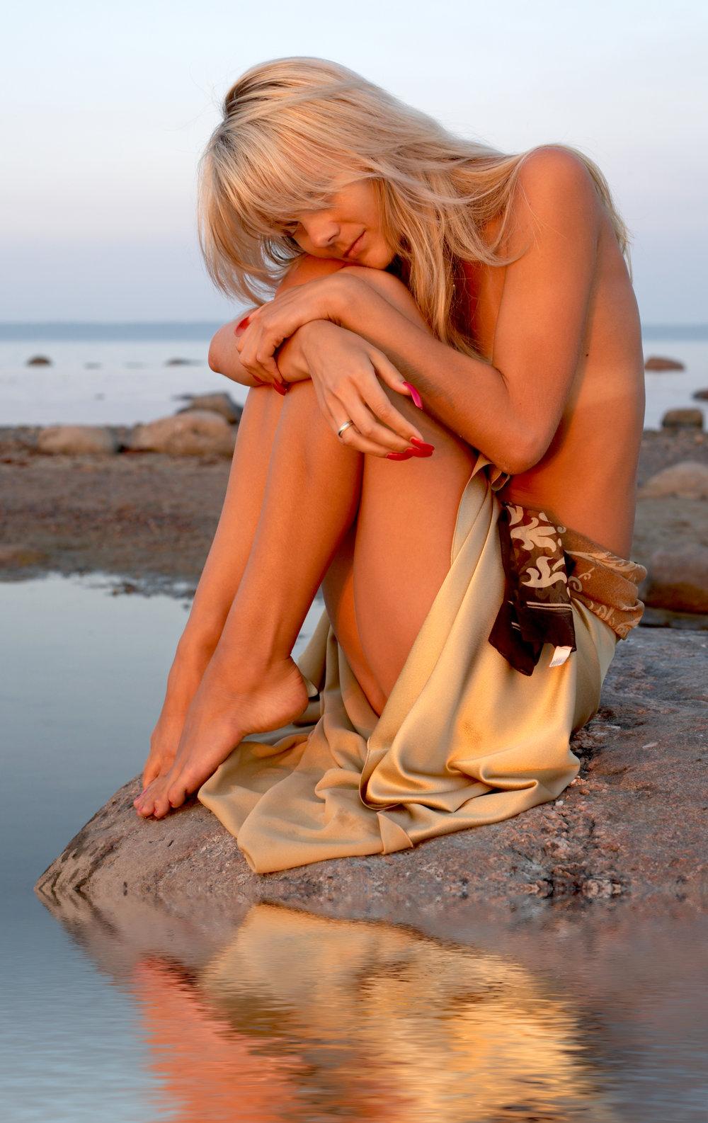 Image 4  Beach Girl.jpg