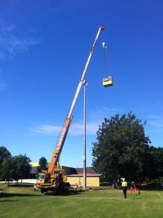 Capacity: 25t Boom Length: 33m Jib Length: 14.5m Crane Width: 2.50m Crane Length: 12.45m Weight: 28,100Kgs Jib Offset: 5º, 17º, 30º