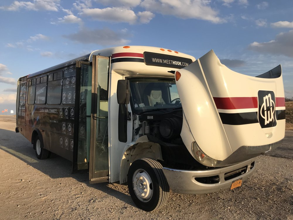 MeetHook bus