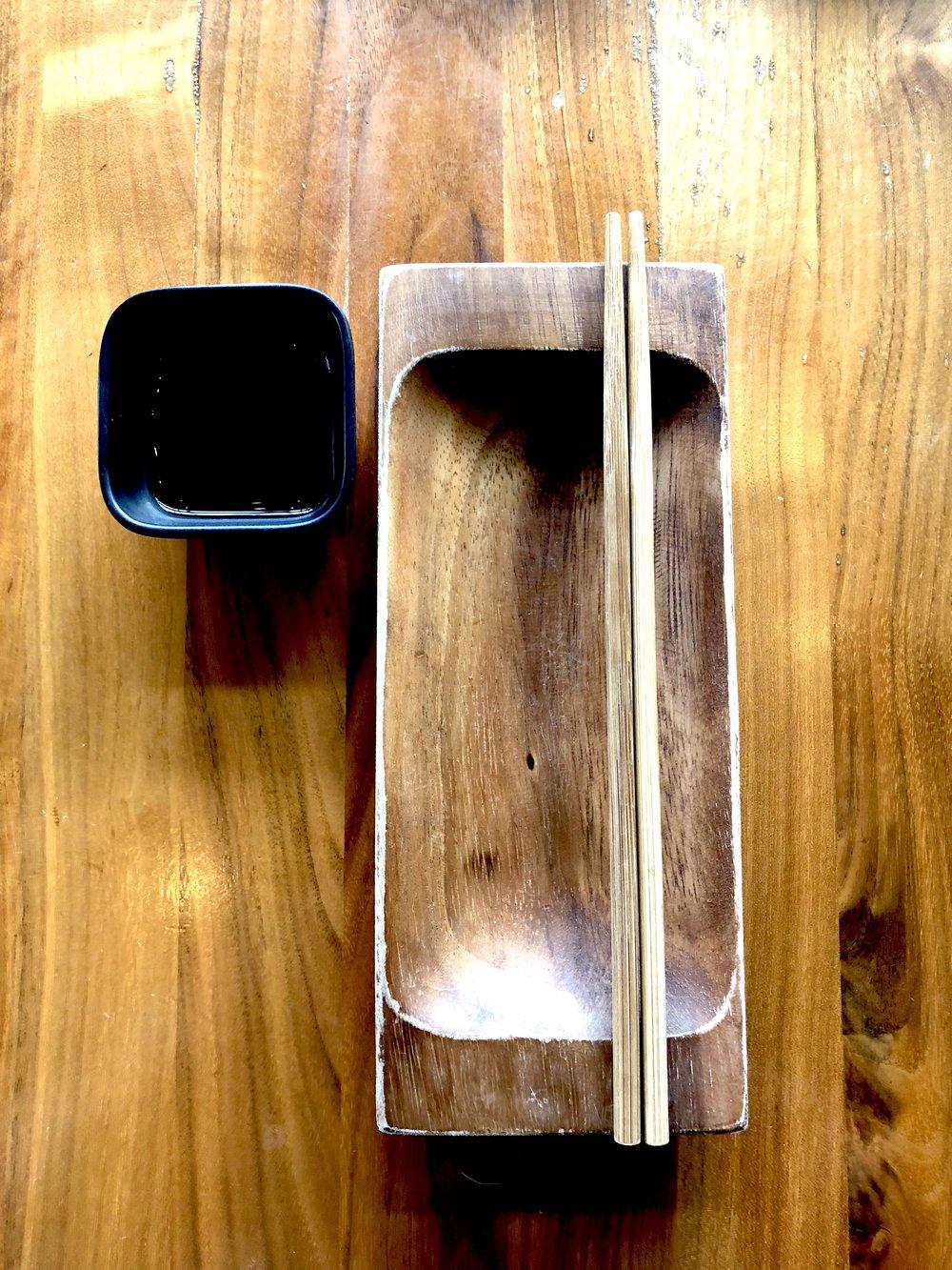 Plate & chopsticks