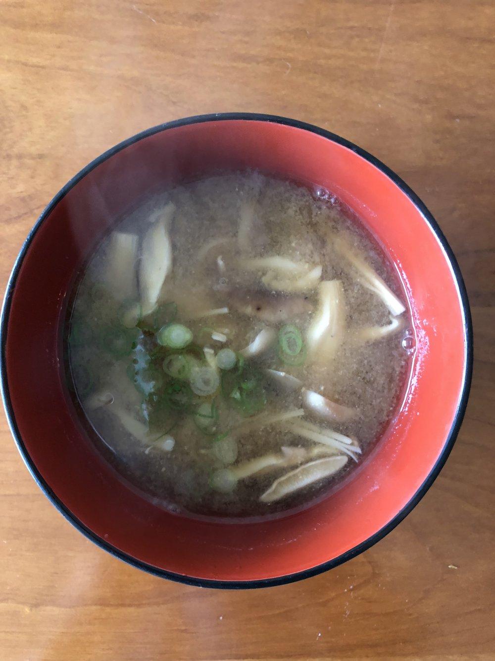Miso soup w/mushrooms
