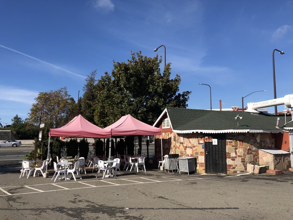 Flacos has both indoor and outdoor seating.