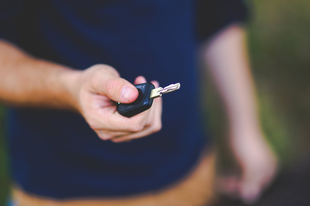 blur-car-key-close-up-6097.jpg