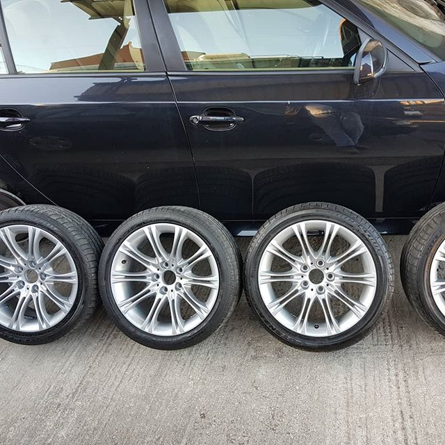 3 sides to a wheel 1/ the side you see 2/the back side that you can see but struggle to clean 3/the side under the tyre that can lead to a slow deflation of the tyre if oxidation takes place. What is the difference between photo 1 & 2