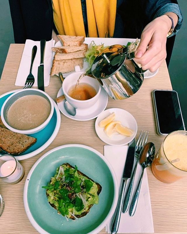 we're in love with @radikarra's amazing high tea o'clock setup 😍🍃 📸 @radikaraa . . . . #teagram #foodiegram #feedfeed #avocadotoast #foodblogfeed #eatwell #feelgoodfood #appetitejournal #tastespotting #teaandtoast #toastupyourlife #tartinery #teafortwo #eatingwelleats #mindbodygram #wholesomefood #thenewhealthy #timefortea #droolclub #thekitchn #foodgawker #wellandgoodeats #onmytable #heathyfoodlover #hightea #highteaparty #highteatime #highteasociety #afternoontea #teatime
