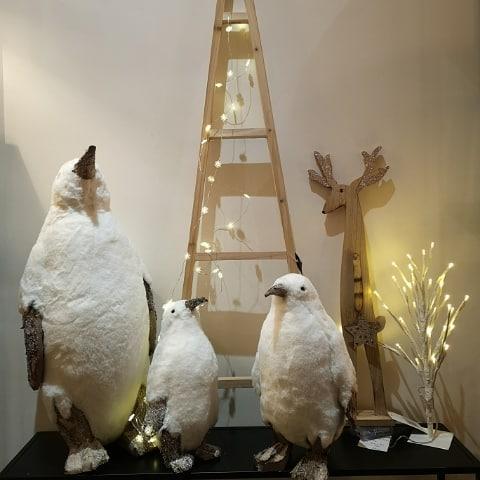 Nous vous accueillerons demain 24 Décembre jusqu'à 16h30 pour vos dernières courses. Réouverture Vendredi 28 Décembre. Nous vous souhaitons un joyeux Noël. #merrychristmas🎄 #holiday #homedesign #batignolles #cadeaunoel #decoration