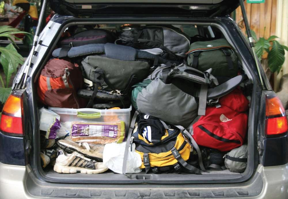 luggage pile.jpg