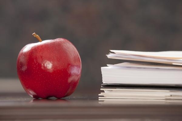apple-on-paperwork_rFWfSIlCSj.jpg