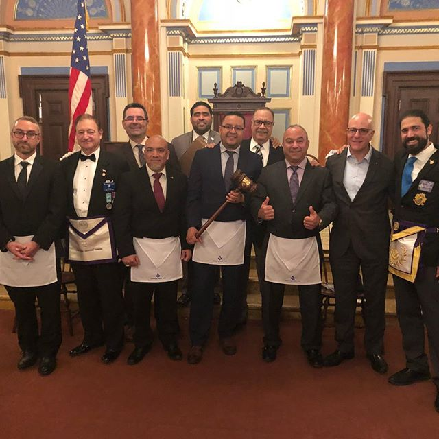 Publicity Lodge No. 1000 captures the 4th Manhattan Traveling Gavel #nymasons #travelers #freemasons