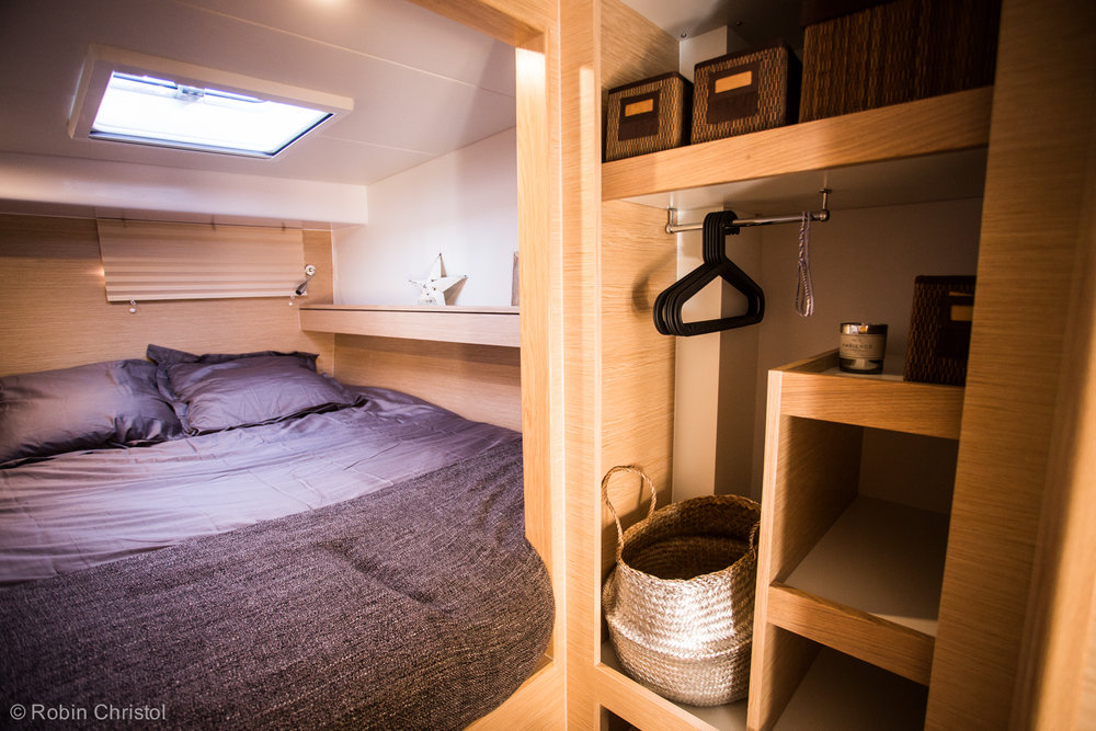 outremer_catamaran_45_interieur_cabine.jpg