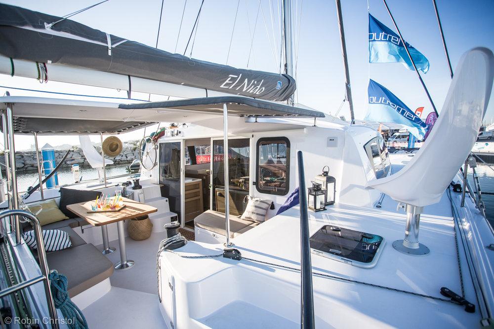 outremer_catamaran_45_cockpit elnino.jpg