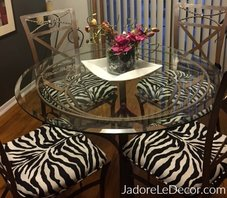 4 Steps to tidying up your small dining room. www.JadoreLeDecor.com