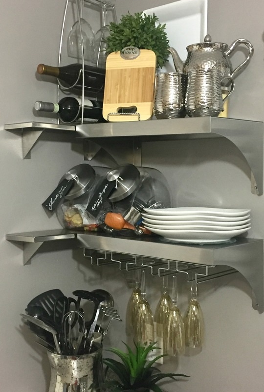How to organize your small kitchen like a professional | www.JadoreLeDecor.com | Small home organization, kitchen organization