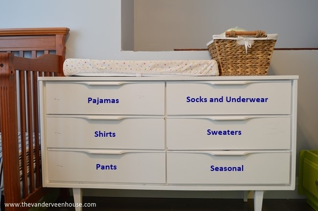 www.JadoreLeDecor.com | Fellow blogger,   Jessica Vanderveen  of   The Vanderveen House  , takes over my blog to share practical tips on organizing kids' bedrooms.