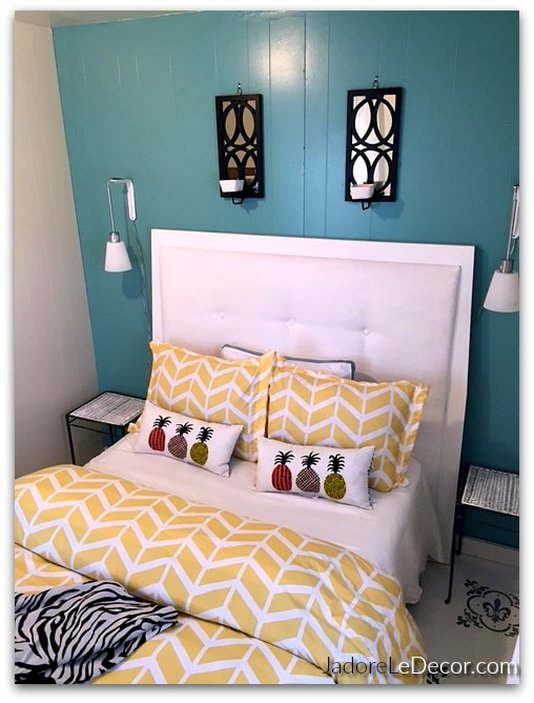 "www.JadoreLeDecor.com | Organizing a tiny ""proper"" guest room for a small, historical family home. 