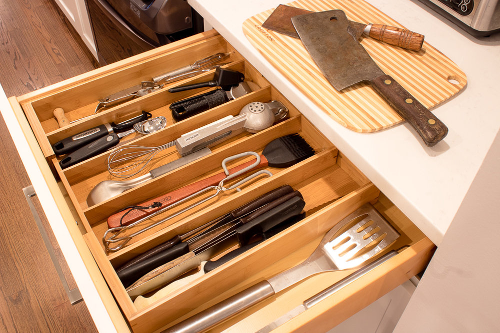 www.jadoreledecor.com | If you're sick of rummaging through junkie drawers try this. | Kitchen drawer organization | Whole House Organization Challenge
