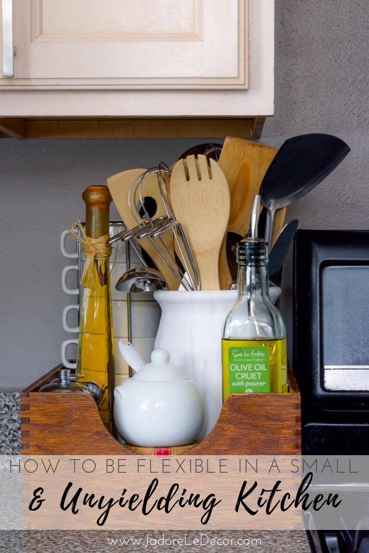 www.jadoreledecor.com | How to Be Flexible in a Small and Unyielding Kitchen | Ideas for organizing your pots, pans and other cooking essentials | #smallspaceorganization #smallkitchen #smallspaceliving