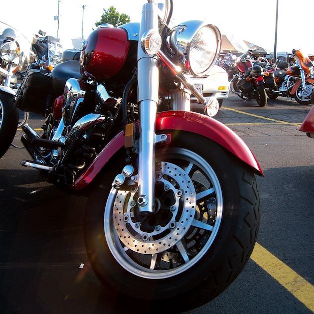 motorcycle-68291_1280.jpg
