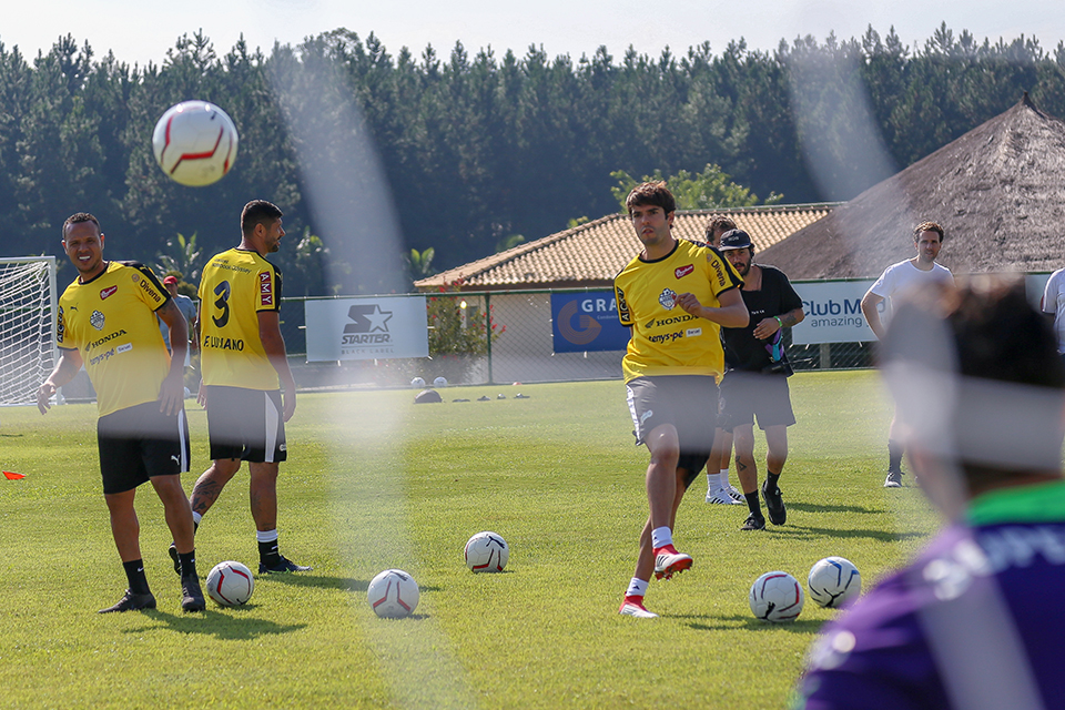 caioba_soccer_camp_abr_18-3578.jpg