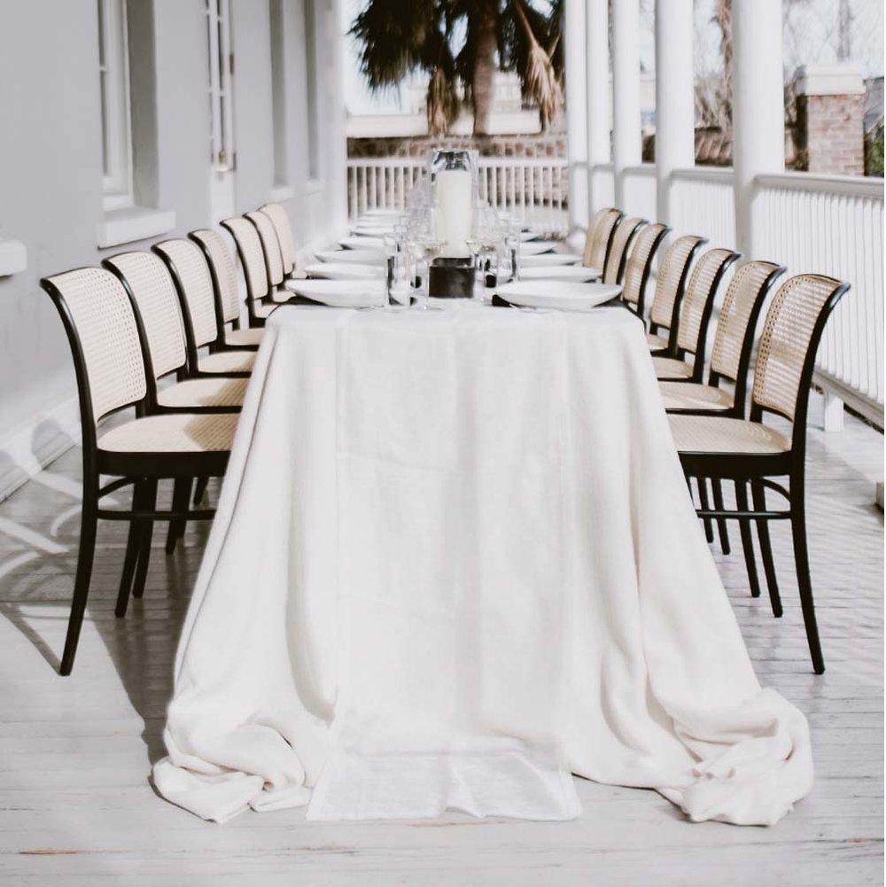 White Luxury Velvet Kings Drape Linens for Dinner Tables