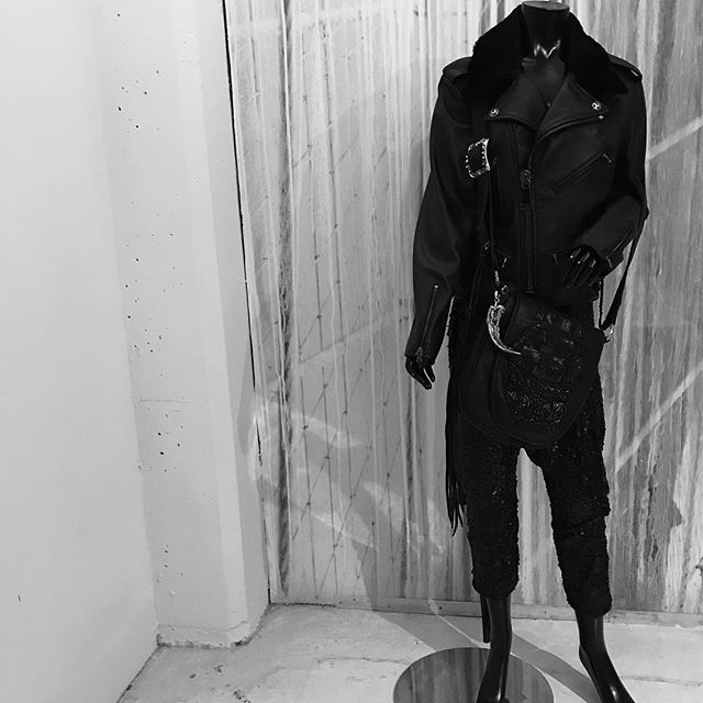 Because we can! Our new women's deer skin and shearling collar Chicago police jacket with 100% silk lining and our unisex messenger crocodile and leather bag with a 6 inch 330 gram .925 grizzly claw hanger with 18k gold drippings and skull inlays. Nothing but perfection because we can.  Made 100% in America by hand with integrity in Los Angeles.  #biker #outlaw #couture #leatherjacket #womensfashion #mensfashion #rockstar #oak #sterling #925silver #runway #v22la #hautecouture #losangeles #newyork #paris #hamburg #japan #london #prague