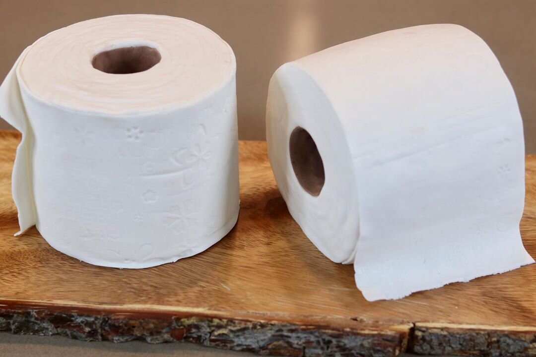 A paper of girth roll toilet Girth vs.