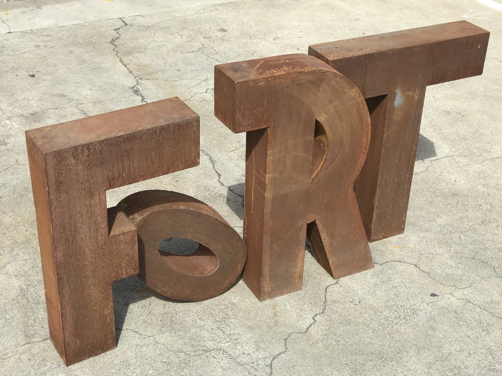 FORT SIGNAGE LETTERS
