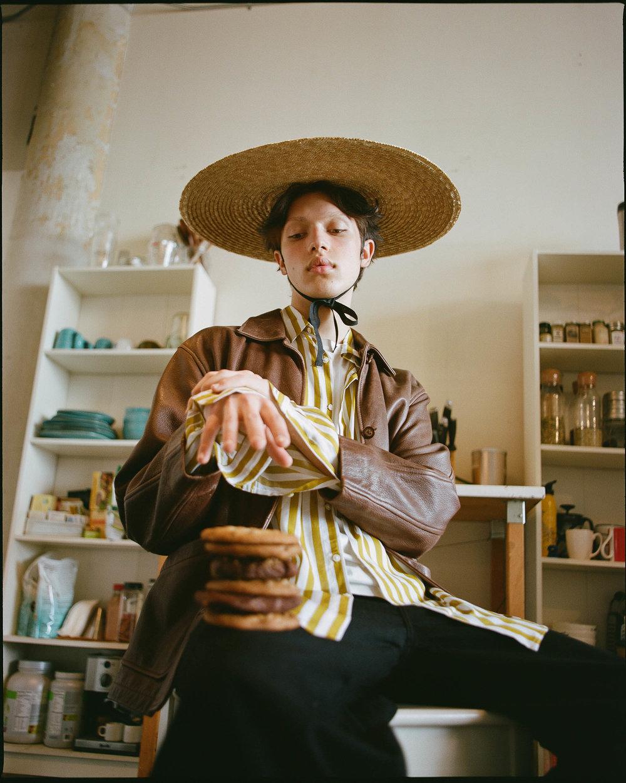 Hat  Jacquemus  Jacket  Vintage  Shirt  Zara  Pants  Uniqlo