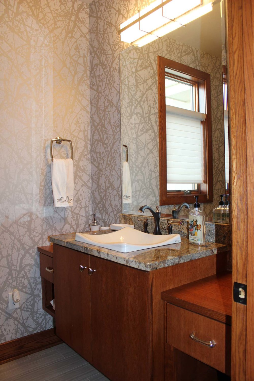 RMH_Golden_Lake_Contemporary_Bath.jpg