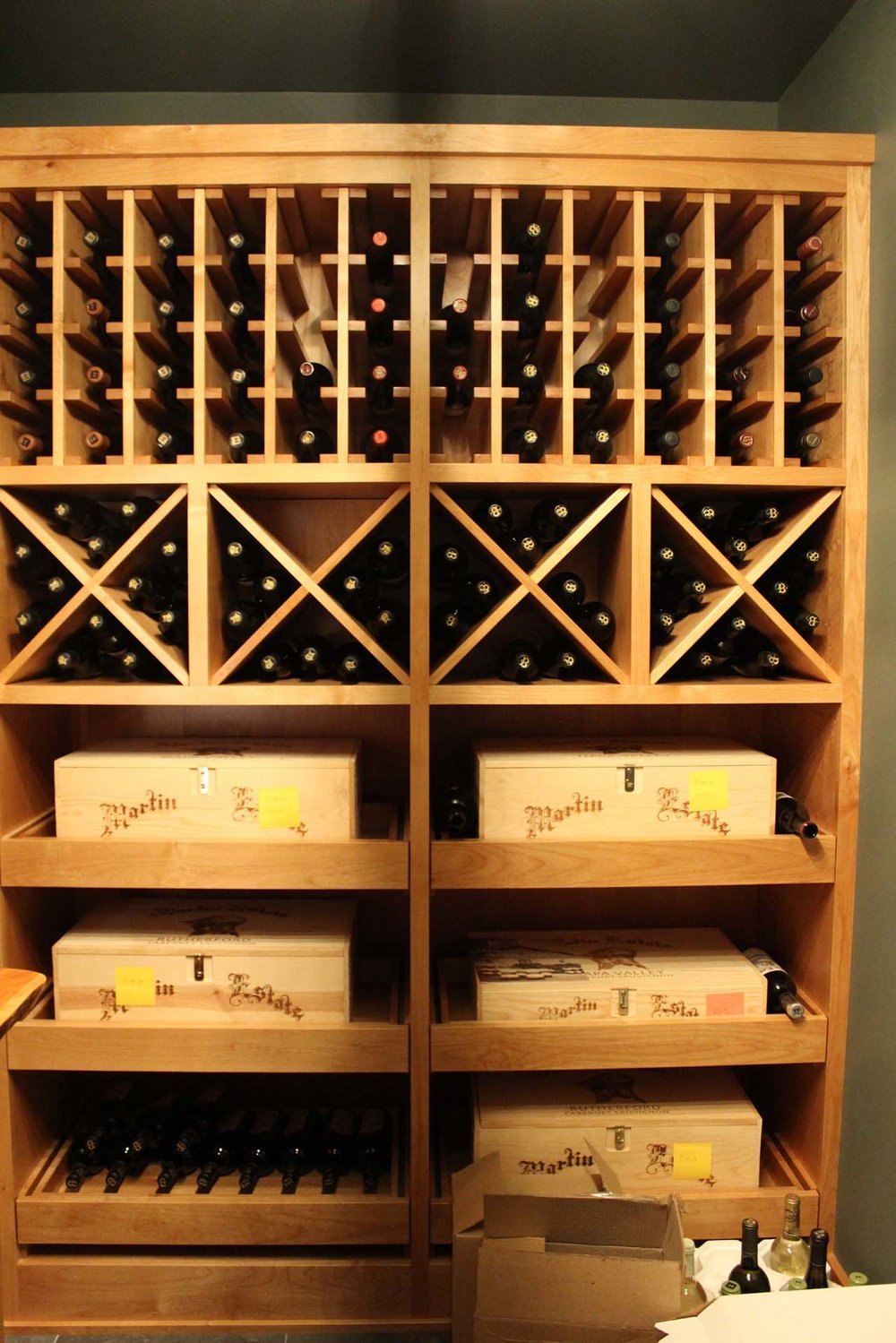 RMH_Golden_Lake_Contemporary_Wine_Cellar.jpg