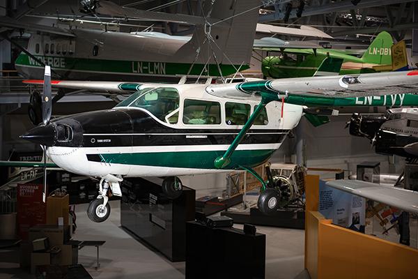 Cessna 337D Super Skymaster -